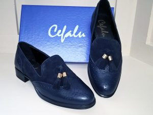 Blue suede brogues, Elegante Dronfield