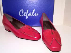 Favor red leather suede shoes, Elegante Dronfield