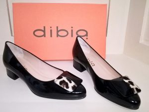 Negro Blanco patent shoes, Elegante Dronfield
