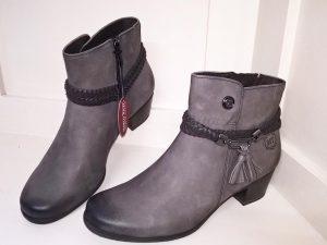 Pepper ant comb boots, Elegante Dronfield