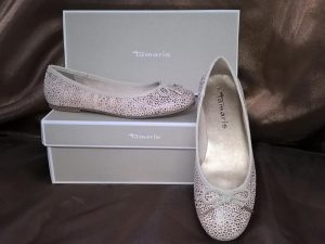White Patterned Pumps, Elegante Dronfield